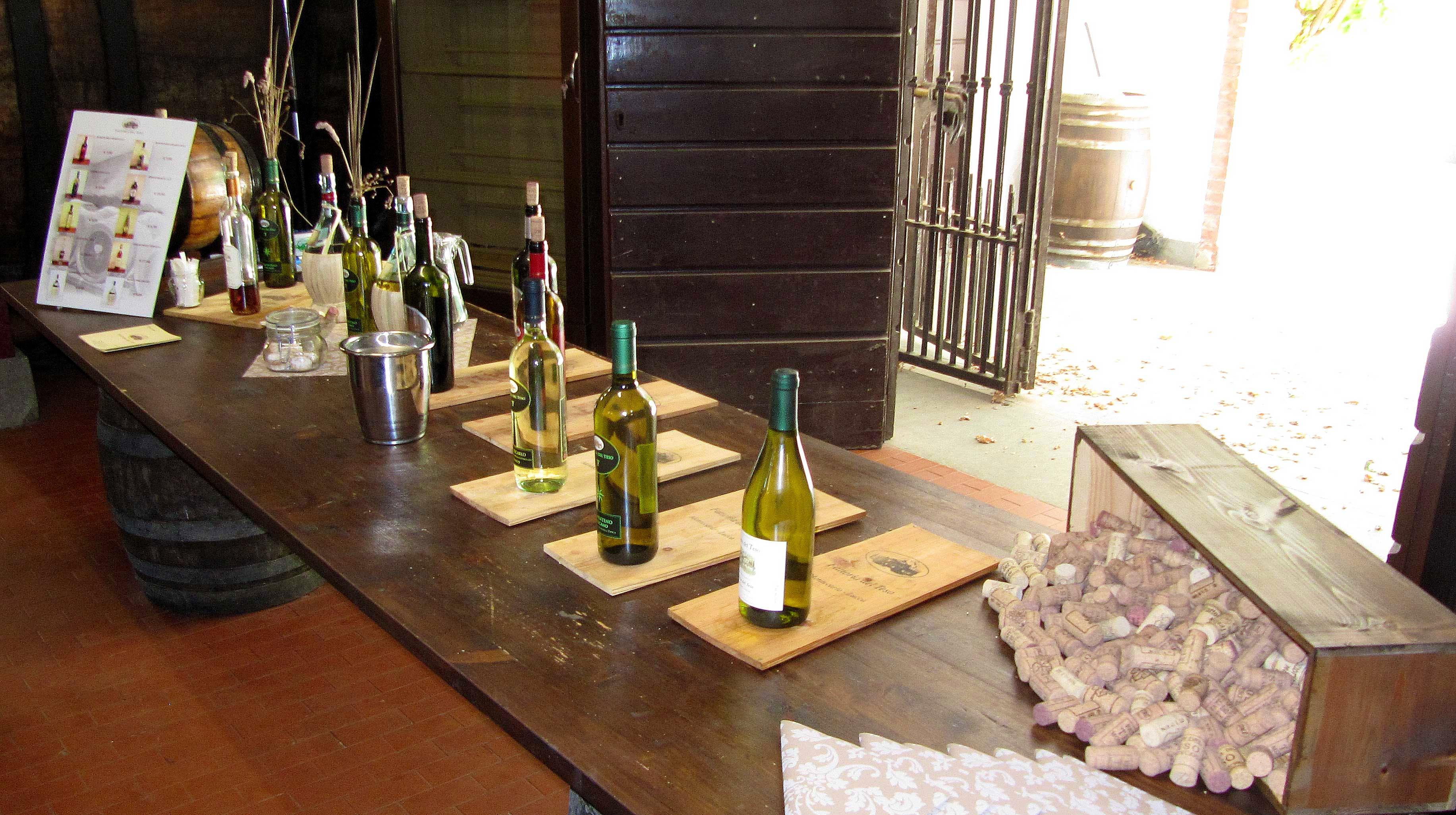 Strada del Vino: Wine & Vineyards near Lucca