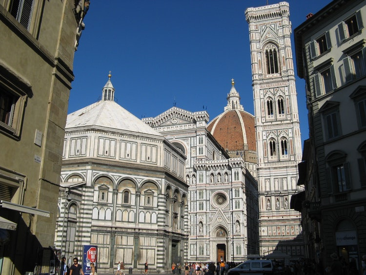 The beauty of the Piazza del Duomo in Florence