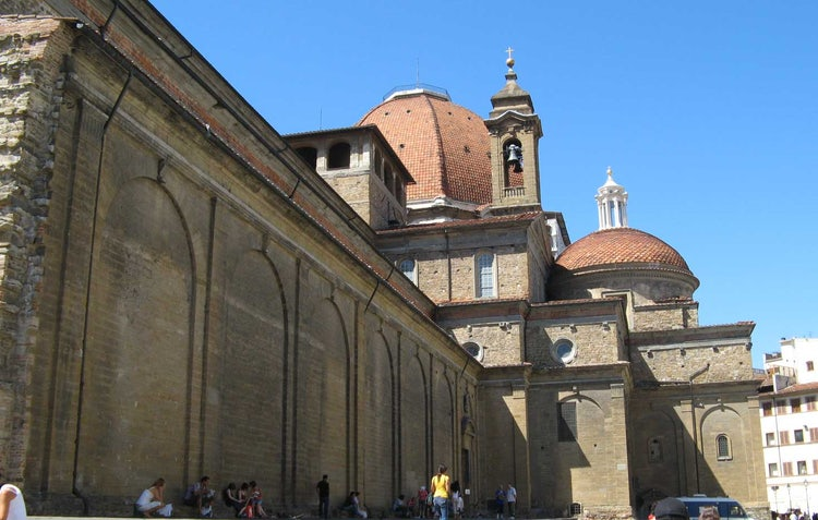 San Lorenzo Church, Florence, Italy: Side Profile of church & Medici Chapels