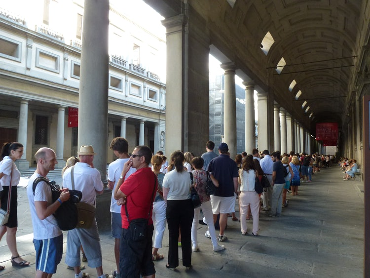 Forming a line at the Uffizi