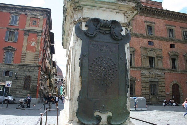 Piazza della SS Annunziata and the Bees on the Statue