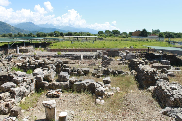 Roman ruins to explore in Lunigiana