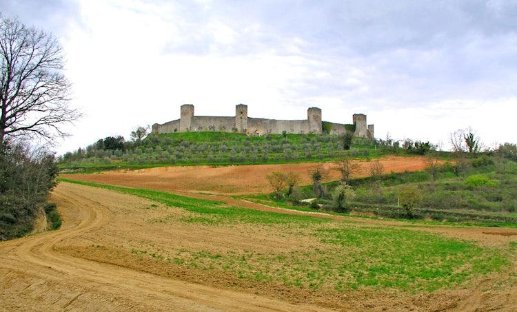 The towered walls at Monteriggioni