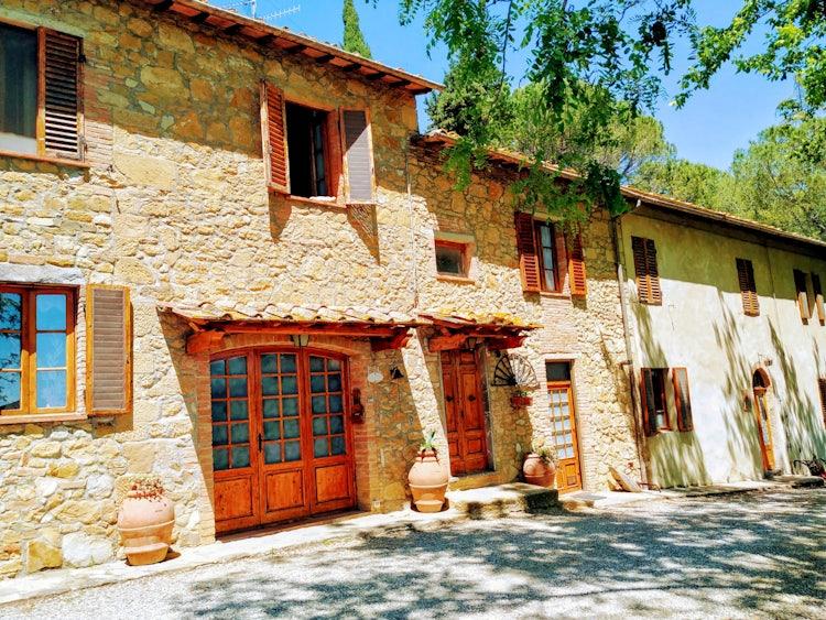 Stone farmhouse  at  Agriturismo Vernianello