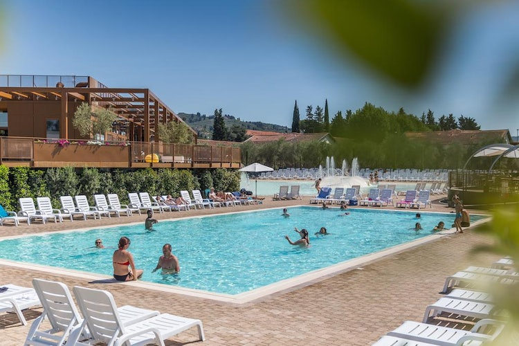 Kid-friendly Accommodations in Florence, Italy :: Poolside at Camping Firenze