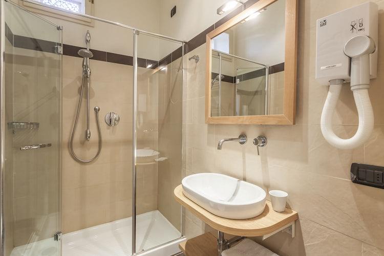 Bathroom at Hotel Astro Mediceo