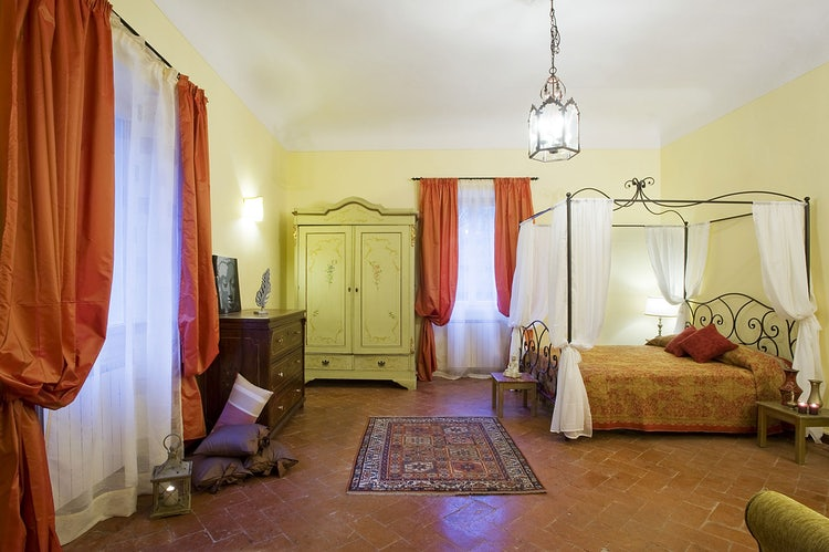 Double bedrooms at Il Palagetto Guest House