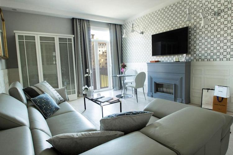 Specchi Su Pontevecchio :: Top Ten Oltrarno Accommodations at Visit Florence