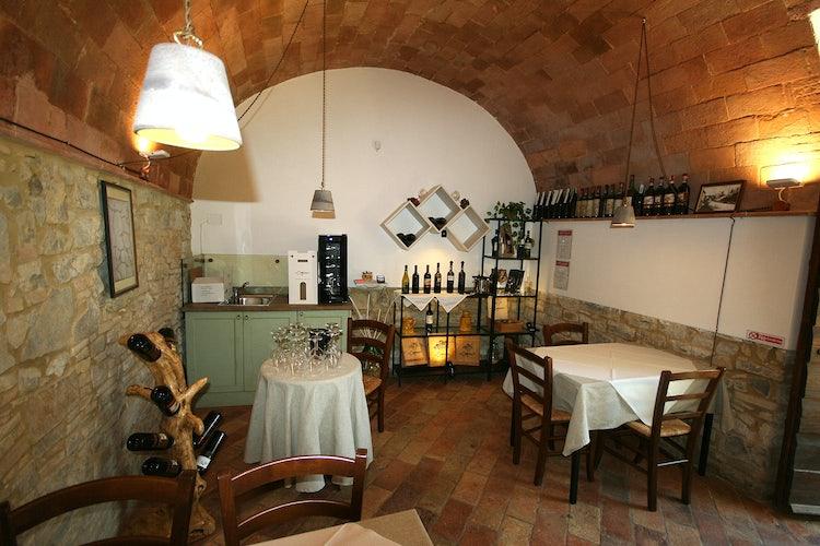 La Rocca di Cispiano: Accommodations & Vineyards in Chianti